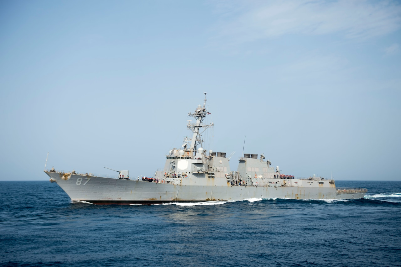 The guided-missile destroyer USS Mason is replenished at sea, Aug. 3, 2016. The ship responded to an incoming missile threat off the coast of Yemen on Oct. 12, 2016, the second such response in four days. Navy photo by Petty Officer 3rd Class Taylor A. Elber