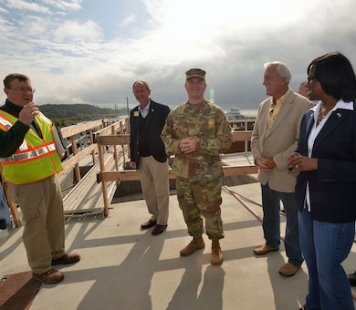 GRAND RIVERS, Ky., Tenn. (Oct. 14, 2016) –The Kentucky lieutenant governor and 12 board members from the Tennessee Tombigbee Waterway Development Authority visited the Kentucky Lock Addition Project at Kentucky Lake and toured the Barkley Dam, Power Plant on the Tennessee and Cumberland Rivers in Grand Rivers, Ky. Oct. 13., to get a close overview of the construction.