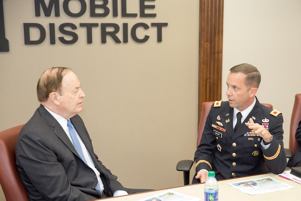 US Senator Richard Shelby briefed by Mobile District Commander Col. James DeLapp