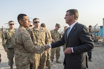 Defense Secretary Ash Carter talks with members of the 101st Airborne Division in Irbil, Iraq, Oct. 23, 2016. DoD photo by Air Force Tech. Sgt. Brigitte N. Brantley