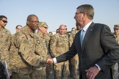Secretary of Defense Ash Carter talks with members of the 101st Airborne Division in Erbil, Iraq, Oct. 23, 2016. (DoD photo by U.S. Air Force Tech. Sgt. Brigitte N. Brantley)