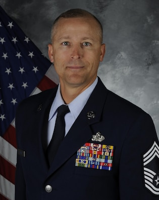 Bio photo of Chief Master Sergeant Thomas J. Bathe