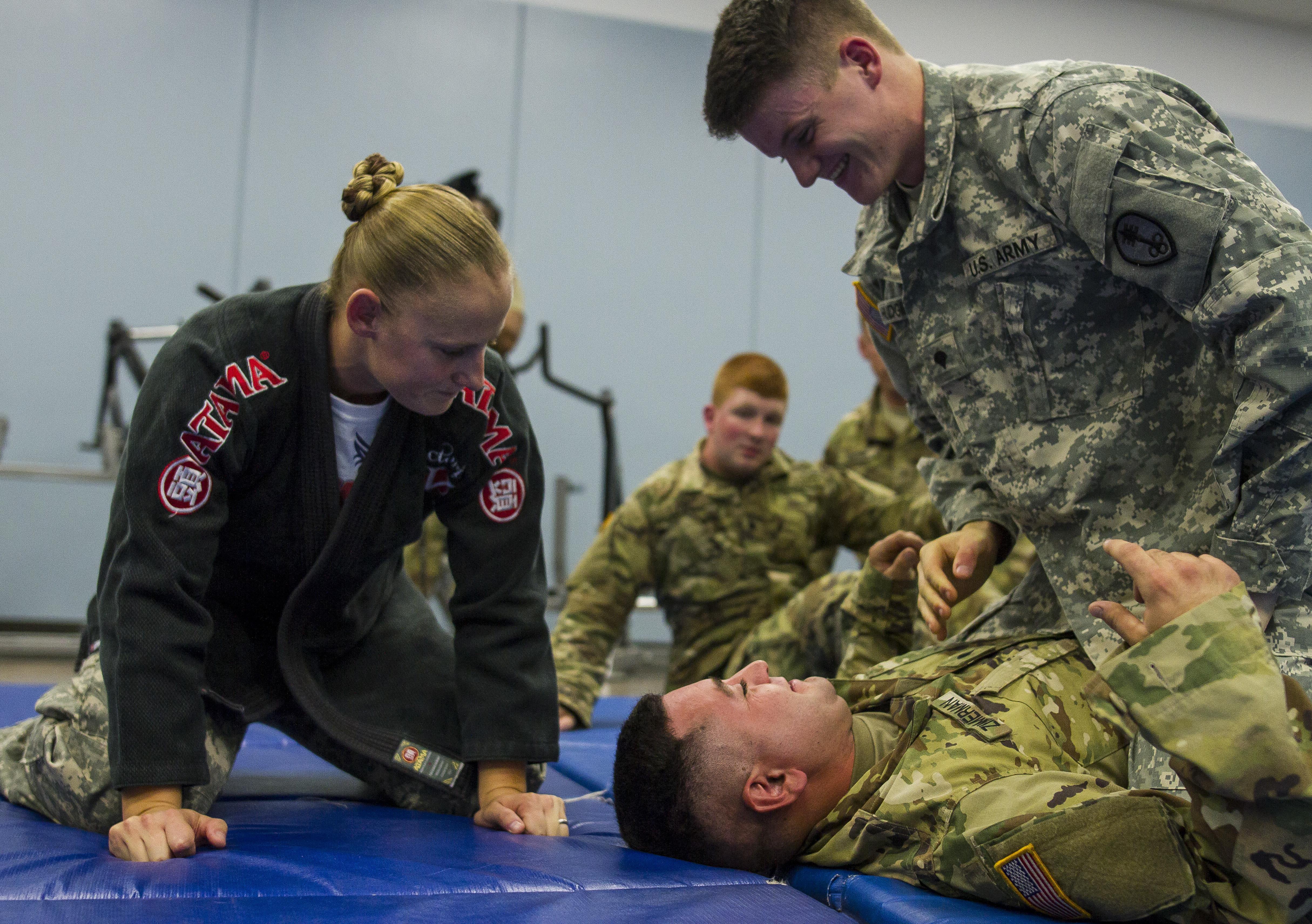 Triple Threat Female Army Reserve Soldier Is A True American Badass