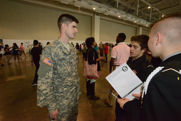 "Army Capt. James Trombly, an engineer from the U. S. Army Corps of Engineers Nashville District talks with ROTC students from Hillwood High School during the ""My Future, My Way"" Career Exploration Fair sponsored by the Metro Nashville Public schools Academies of Nashville and the Nashville Area Chamber of Commerce at Music City Convention Center Oct. 27, 2016."