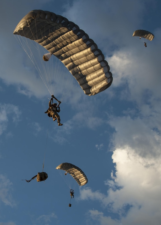 Combat Leaders Course students prepare to land during training in Florence, Ariz., Aug. 31, 2016. The pararescuemen obtain their 7-level certification and become team leaders after the vigorous course.  (U.S. Air Force photo by Airman 1st Class Mya M. Crosby)