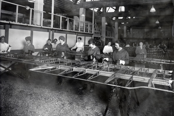 DAYTON, Ohio -- Workers in the Dope and Varnish Department at the Dayton-Wright plant.