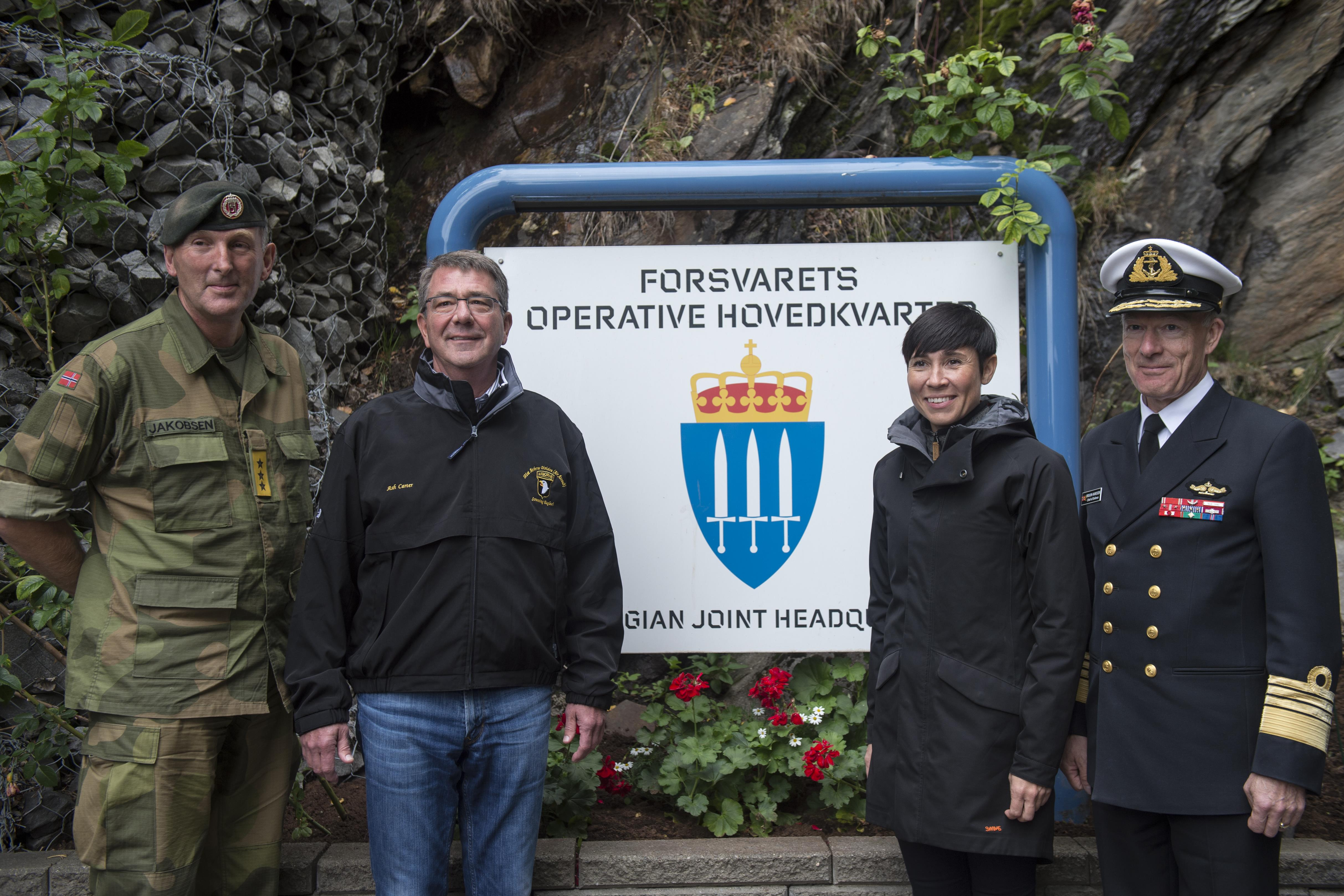 Defense Secretary Ash Carter and Norwegian Defense Minister Ine Eriksen Soreide pose with Norwegian Lt. Gen. Rune Jakobsen.