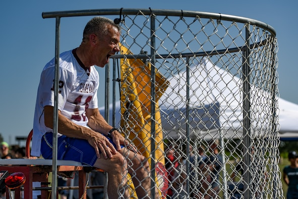 U.S. Air Force Col. Steven Vandewalle, 17th Medical Group commander, taunts a dunk tank contender during the Combined Federal Campaign kickoff tailgate party at the parade field on Goodfellow Air Force Base, Texas, Sept. 8, 2016. The dunk tank, along with several other activities, brought in hundreds of Goodfellow members to kick off the CFC. This year's goal for the 17th Training Wing is to raise $117,000 for the campaign. (U.S. Air Force photo by Senior Airman Devin Boyer/Released)