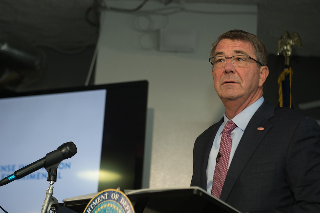 Defense Secretary Ash Carter speaks to innovation leaders during a visit to Capital Factory in Austin, Texas, Sept. 14, 2016. DoD photo by Army Sgt. Amber I. Smith
