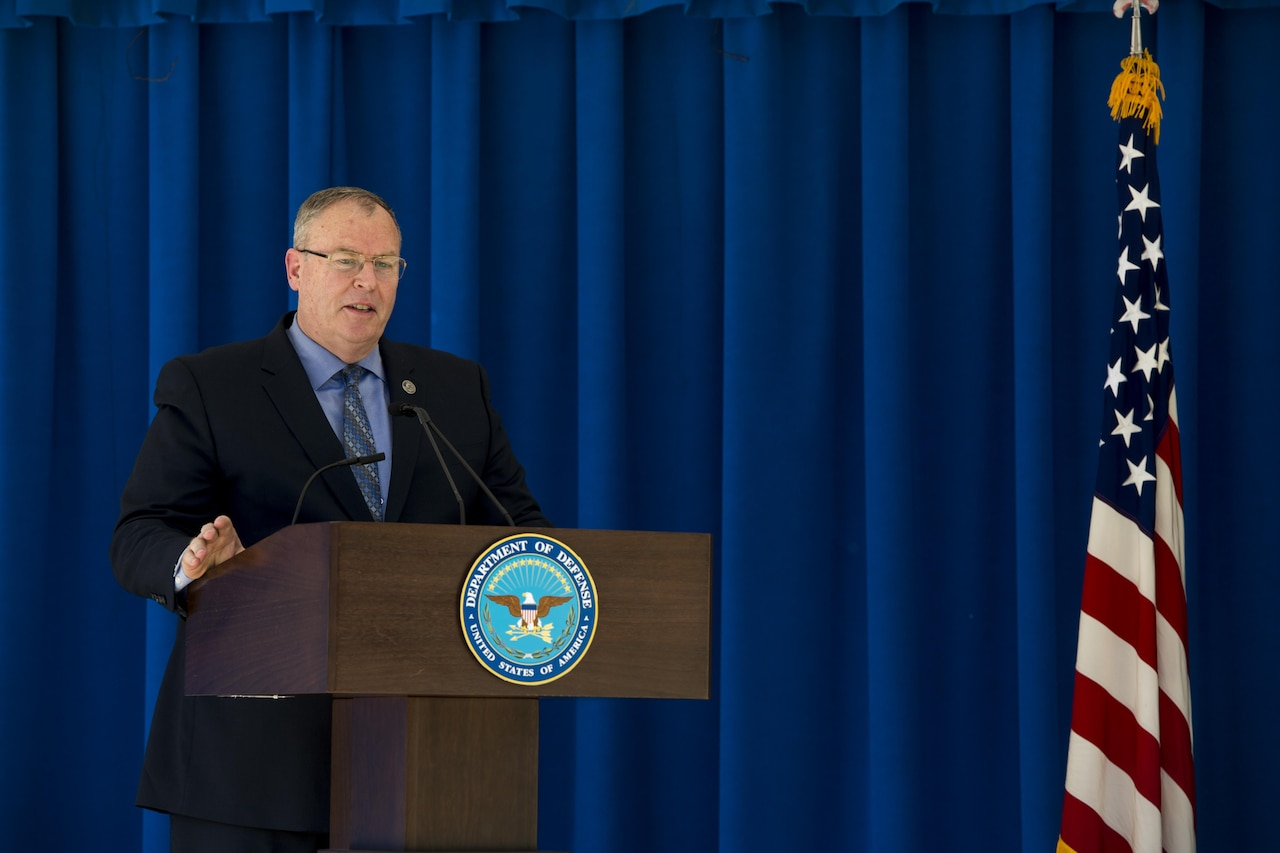 Deputy Defense Secretary Bob Work hosts the Combined Federal Campaign kickoff event in the Pentagon courtyard in Washington, D.C., Sept. 14, 2016.  DoD photo by Air Force Tech. Sgt. Brigitte N. Brantley