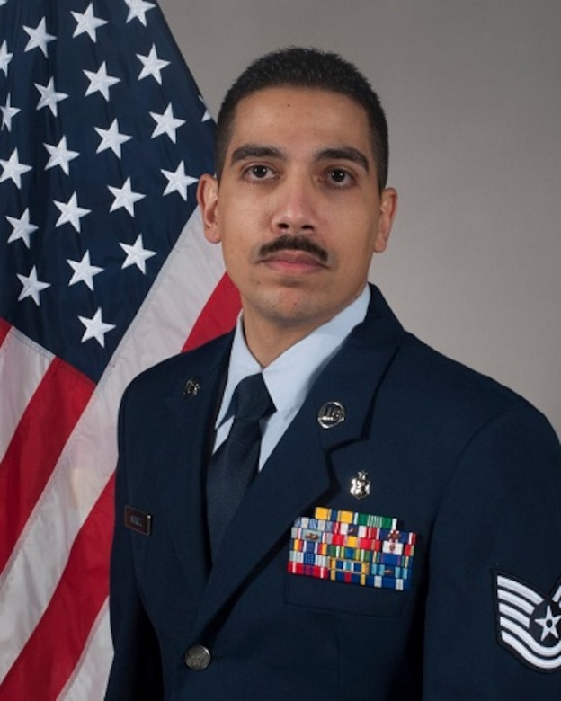 Tech. Sgt. Daniel Mendez official photo. (U.S. Air Force photo by Staff Sgt. Chelsea Browning/Released)