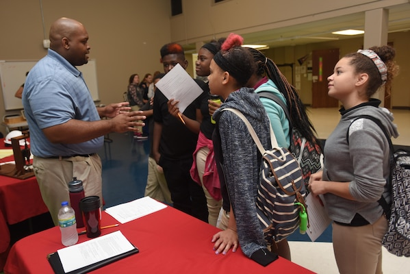 Bobby Jackson, a planner in the Nashville District's Natural Resources Management Branch, touts careers in natural resources during a career fair Sept. 16, 2016 at Stratford STEM Magnet High School in Nashville, Tenn.