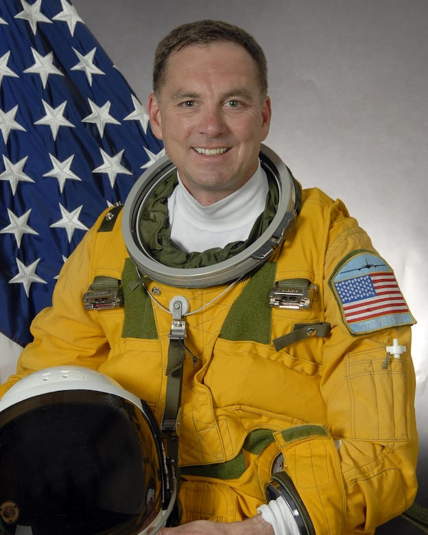 Stuido photo of Lt. Col. Ira S. Eadie (U.S. Air Force photo/Robert Scott)