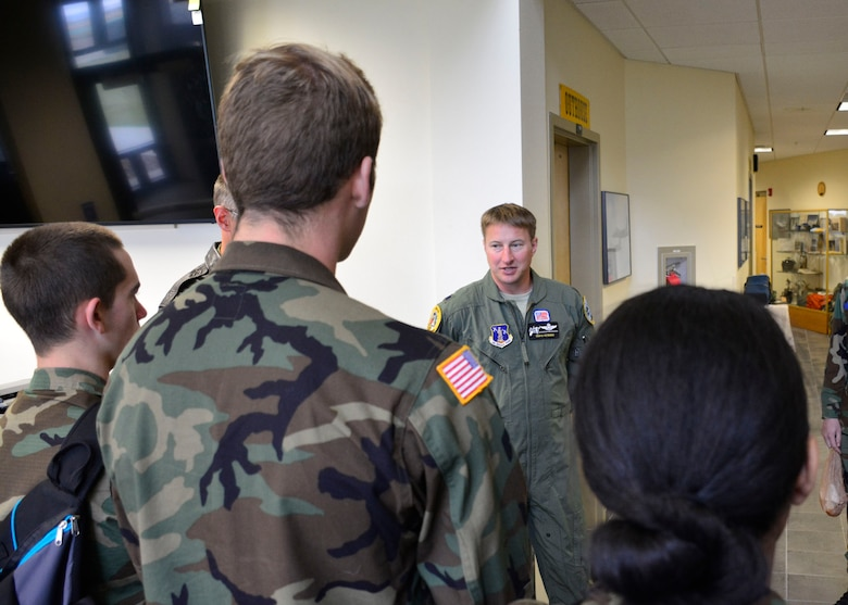 120th Airlift Wing Pilot Lt. Col. Travis Peterson answers questions posed by Civil Air Patrol cadets during a tour of the Montana Air National Guard base Sept. 13, 2016. The cadets are assigned to the Malmstrom Air Force Base Composite Squadron of the Civil Air Patrol Montana Wing and were taking a C-130 Hercules orientation flight Sept. 13, 2016. (U.S. Air National Guard photo by Senior Master Sgt. Eric Peterson)