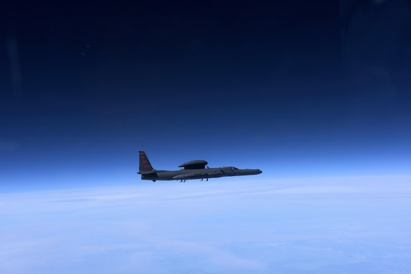 A U- 2 Dragon Lady approaches an altitude near 70,000 ft. above California, Mar. 23, 2016. The pilot must wear a full-pressure suit similar to NASA astronaut suits. (U.S. Air Force photo/Staff Sgt. Robert M. Trujillo)