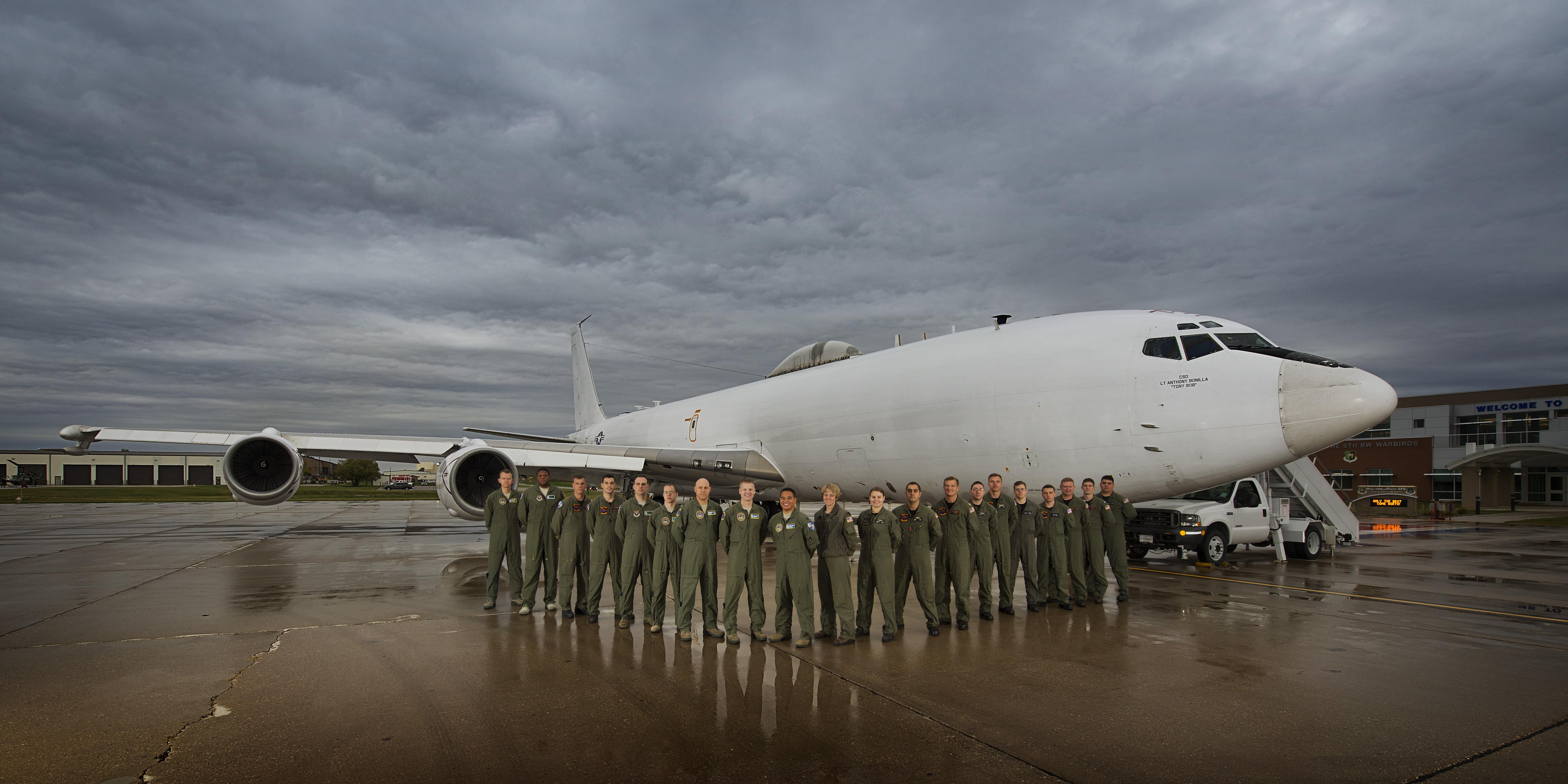 Looking Glass: USSTRATCOM's Airborne Command Post > Minot