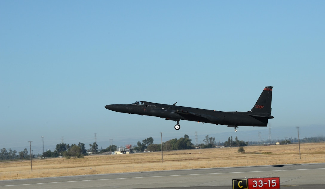 A U-2 Dragon Lady takes off signifying the return to normal flying operations Sept. 23, 2016, at Air Force Base, California after an incident near the Sutter Buttes Sept. 20, 2016. Beale Air Force Base will continue providing high-altitude intelligence, surveillance, and reconnaissance to combatant commanders. (U.S. Air Force photo/Airman Tristan D. Viglianco)