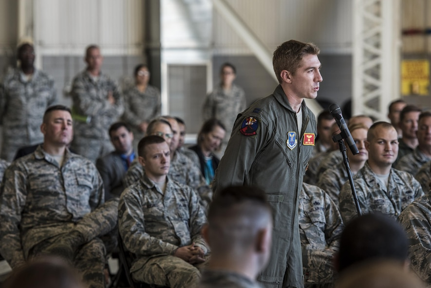 Defense Secretary Ash Carter speaks to troops at Minot Air Force Base, N.D.