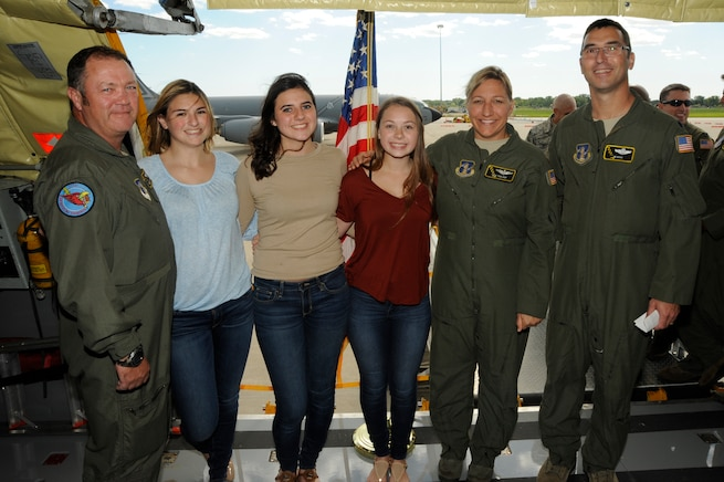 160927-Z-RD118-023 – Master Sgt. Joseph Lapinta poses with his daughter Isabella, Emily Russo, Melissa Aliotta, Maj. Leah Voelker, and Lt. Col. James Rossi while aboard a KC-135 Stratotanker on Sept. 27, 2016 at Selfridge Air National Guard Base. MSgt Lapinta extended his enlistment while Isabella, Emily, and Melissa enlisted into the Michigan Air National Guard. (US Air National Guard Photo by John Brandenburg)