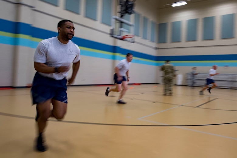 U.S. Air Force Senior Airman Terrence Crenshaw, 19th Air Support Operations Squadron vehicle maintenance technician sprints during the agility portion of a German armed forces proficiency assessment, April 5, 2017, at Fort Campbell, Ky. To enhance their ability to work together in deployed locations, members of the German Air Force travelled to Fort Campbell to train and exercise with the 19th ASOS. While at Fort Campbell, The German Air Force members hosted a German armed forces proficiency assessment for Airmen consisting of shooting firearms, swimming, agility exercises and a rucksack march.