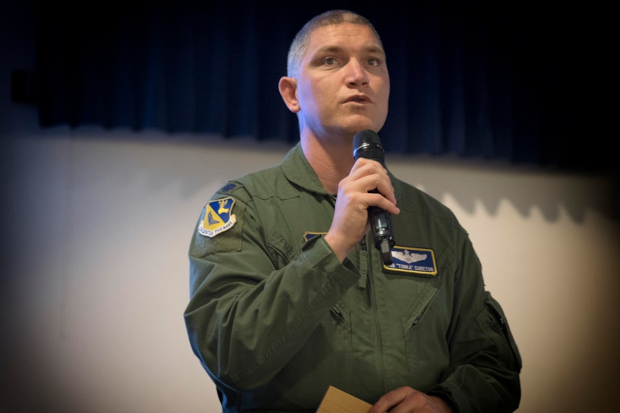 Lt. Col. Robert Cureton, 374th Airlift Wing chief of flight safety, gives final remarks during the Kanto Plain Mid-Air Collision and Avoidance Conference, at Yokota Air Base, Japan, April 15, 2017. More than 100 private Japanese pilots participated in the conference to increase awareness and promote safety in the skies over the Yokota and the surrounding communities. (U.S. Air Force photo by Yasuo Osakabe)