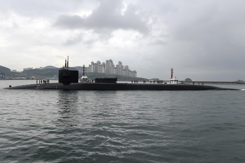 170425-N-WT427-002 BUSAN, Republic of Korea (April 24, 2017) 