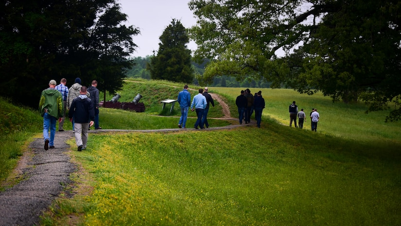 Members of the U.S. Air Force and both the French and Royal air force tour Yorktown Battlefield, Va., April 22, 2017. For the past three weeks, U.S. Air Force Airmen across Joint Base Langley-Eustis, Va. have hosted Airmen from the FAF and RAF during ATLANTIC TRIDENT 17. (U.S. Air Force photo/Staff Sgt. Areca T. Bell)