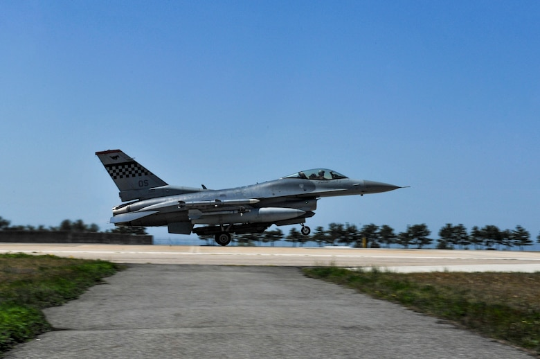 A U.S. Air Force F-16 Fighting Falcon from the 36th Fighter Squadron, Osan Air Base, Republic of Korea, takes off during Exercise MAX THUNDER 17 at Kunsan Air Base, Republic of Korea, April 27, 2017. In Max Thunder, U.S. and ROK air forces consistently train together to be ready around-the-clock to defend the Republic of Korea. The interoperability and trust developed between the allies in training is critical to ensure U.S. and ROK are prepared for any challenge. (U.S. Air Force photo by Senior Airman Colville McFee/Released)
