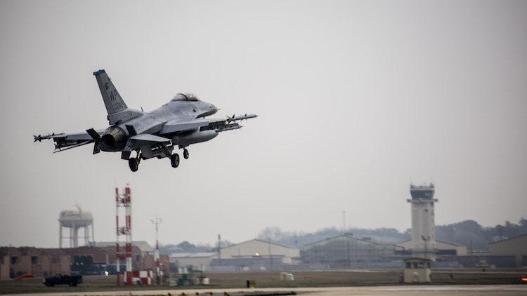 A U.S. Air Force F-16 Fighting Falcon lands on the runway after concluding a defensive counter air mission during Exercise MAX THUNDER 17 at Kunsan Air Base, Republic of Korea, April 18, 2017. Max Thunder serves as an opportunity for U.S. and ROK forces to train together and sharpen tactical skills for the defense of the Asia-Pacific region. It is an annual military-flying exercise built to promote interoperability between U.S. and ROK forces. (U.S. Marine Corps photo by Lance Cpl. Carlos Jimenez)