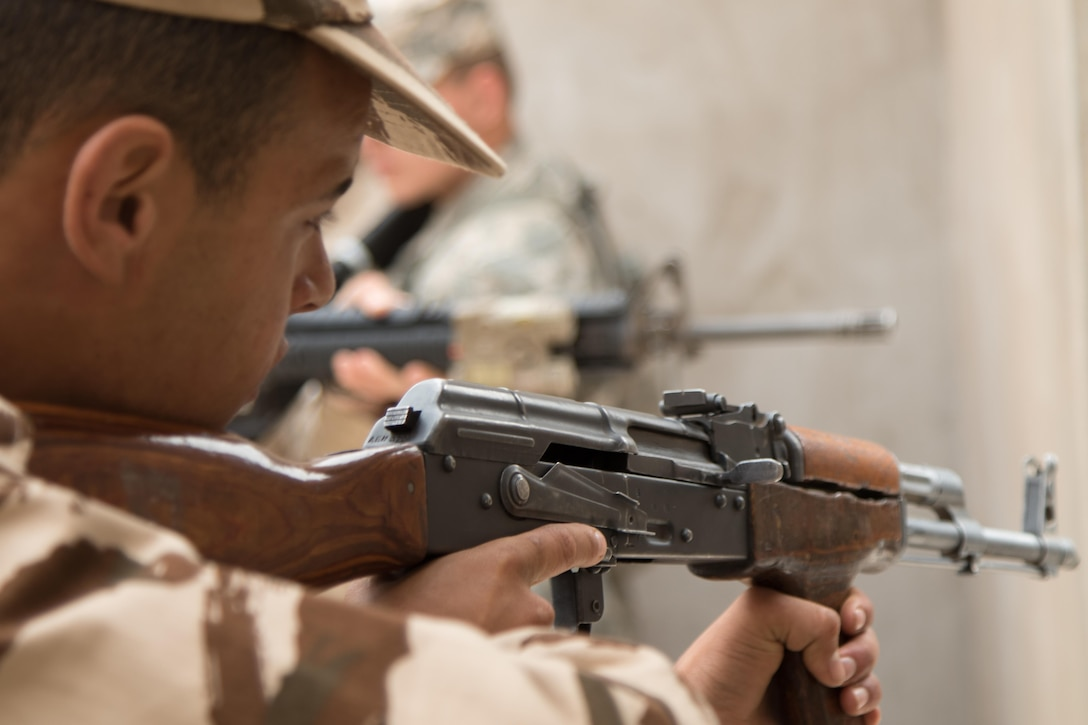 Royal Moroccan Armed Forces cleared rooms with U.S. Soldiers and Marines during close quarters battle training during Exercise African Lion in Tifnit, Morocco, on April 23, 2017. Exercise African Lion is an annually scheduled, combined multilateral exercise designed to improve interoperability and mutual understanding of each nation's tactics, techniques and procedures.
