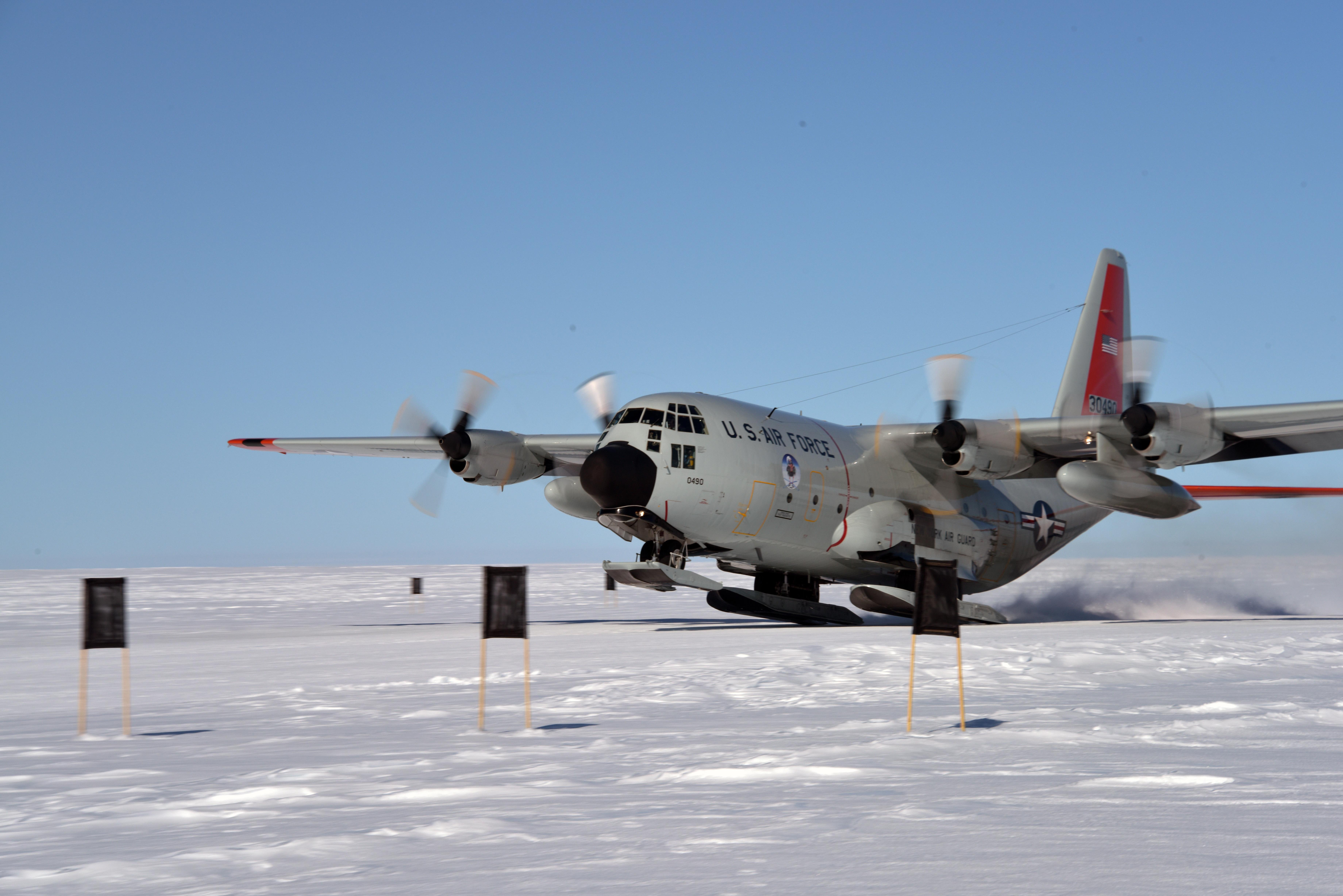 LC-130 Skibird Aircrews Train For Polar Operations > U.S