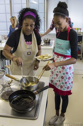 MCAS Iwakuni residents attend Japanese cooking class
