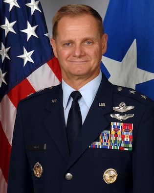 Maj Gen Russell Mack official photo