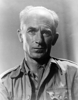 """Ernie Pyle's portrait. Pyle's """"Everyman"""" approach to writing about the war won him many praises among the service members he worked with in combat. (Courtesy Photo)"""