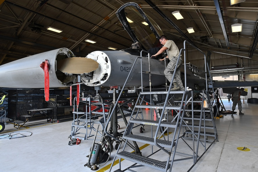 Final Hill AFB F-16 goes through phase