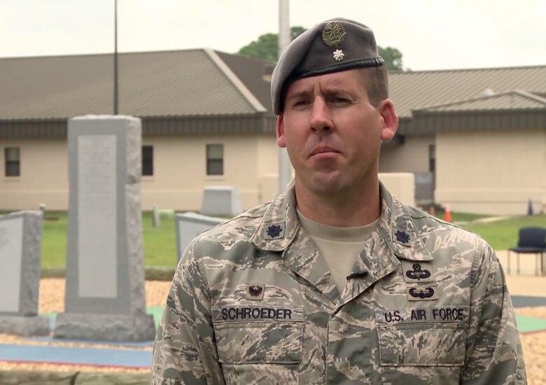 Portraits in Courage: Lt. Col. William Schroeder