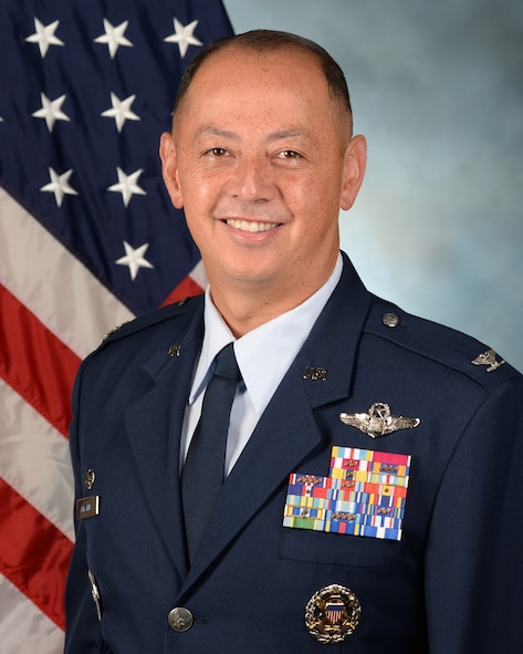The official photo of Col. John Edwards.