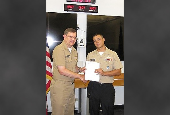 Sailor receives meritorious advancement at DLA Maritime Pearl Harbor