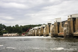Corps awards $5.6 million gate installation contract to increase stability of Ohio River navigation dam