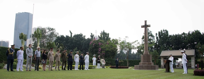 US Ambassador to Indonesia Joseph R. Donovan Jr. receives the arrival of Harry B. Harris, Aug. 7, 2017. He is the Admiral in the United States Navy who currently serves as the 24th Commander of the Pacific Command of the United States. Together with DubesDonovan, Admiral Harris conducted a series of visits including visiting the Istiqlal Mosque, then met Minister Wiranto, and met with TNI Commander Gatot Nurmantyo.