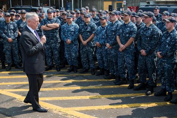 Secretary speaks to sailors from the USS Kentucky.