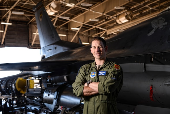 Capt. Dustin Smail, an instructor pilot in the 309th Fighter Squadron at Luke Air Force Base, AZ, was chosen for his courage in combat as a 2017 Portraits in Courage honoree.