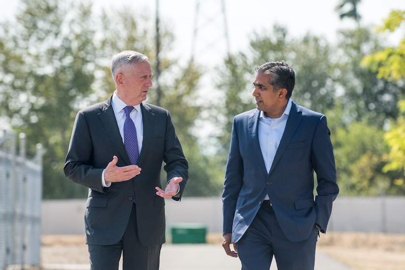 Defense Secretary Jim Mattis speaks with Raj Shah, the managing partner of Defense Innovation Unit Experimental (DIUx), at the organization's headquarters in Mountain View, Calif., Aug. 10, 2017. DoD photo by Air Force Staff Sgt. Jette Carr