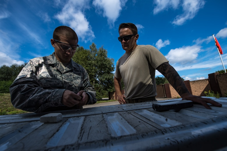 EOD conducts training
