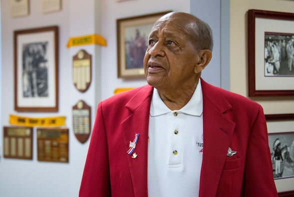 Former Tuskegee Airman and POW Addresses Air University Students
