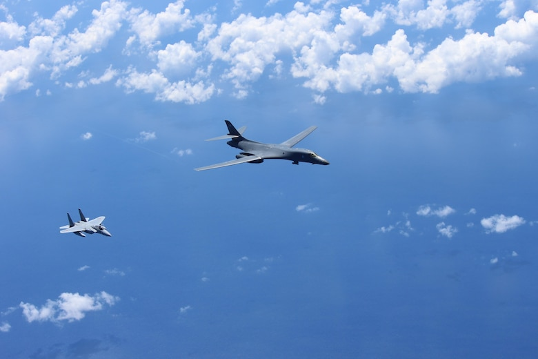 B-1B bombers conduct air drills with Japanese fighters near Senkaku Islands