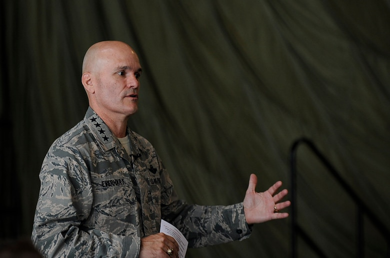 "U.S. Air Force Gen. Carlton ""Dewey"" Everhart II, commander, Air Mobility Command, visits the 521st Air Mobility Operations Wing during his immersion tour on Ramstein Air Base, Germany, Aug. 14, 2017."
