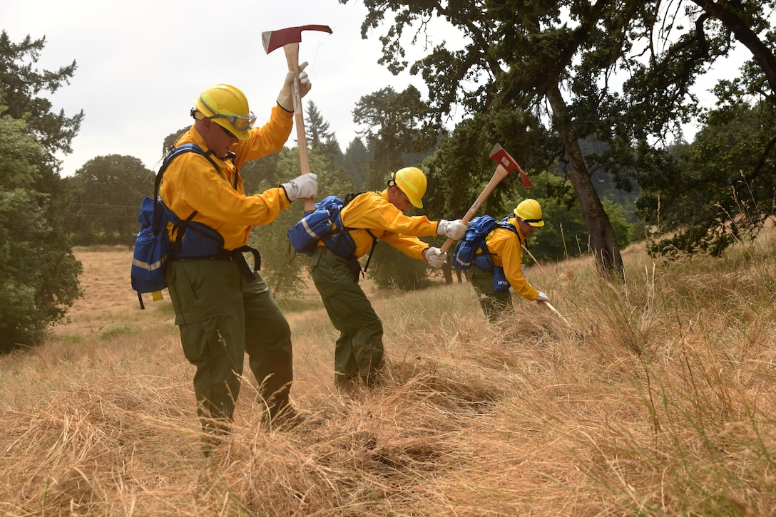Training prepares Oregon Guardsmen for fighting fires