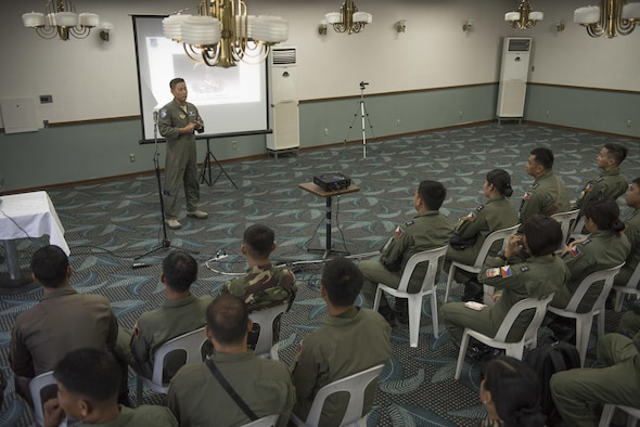Aviation Subject Matter Exchange Unites U.S., Philippine Airmen