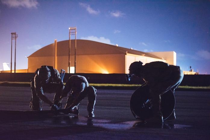 Kadena forward area refueling point team conducts nighttime refueling training